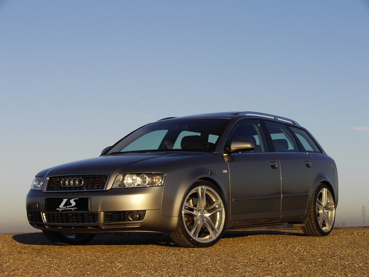 news alufelgen audi a4 avant 8e mit 19zoll felgen ls14 silber. Black Bedroom Furniture Sets. Home Design Ideas