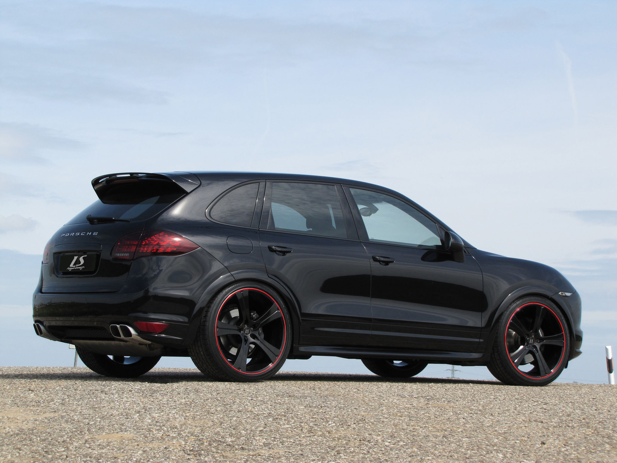 news alufelgen porsche cayenne s 9pa mit 23zoll felgen. Black Bedroom Furniture Sets. Home Design Ideas